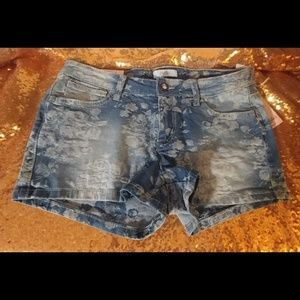 "New Candie's ""Made to Sparkle""blue shorts size 5"